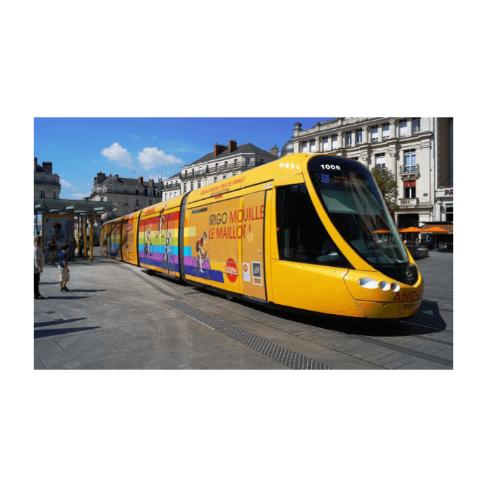 habillage-tram-graphique-bus-keolis-angers-design-tour-de-france